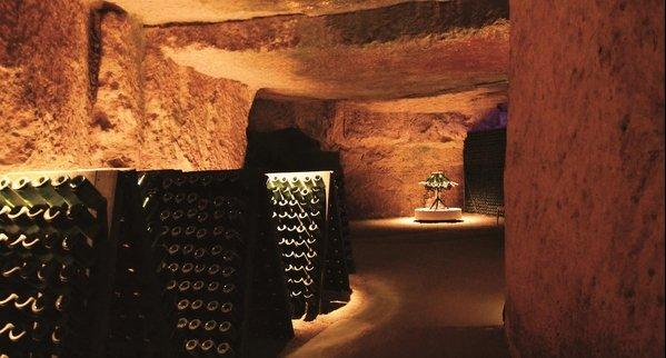 Visite-Caves-Ackerman-Saumur